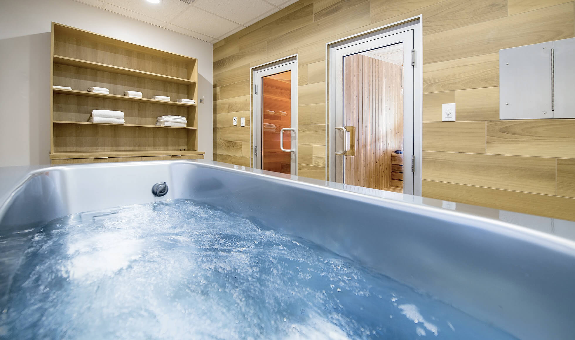 Spa at Hockey Etcetera with a jet tub, and sauna.