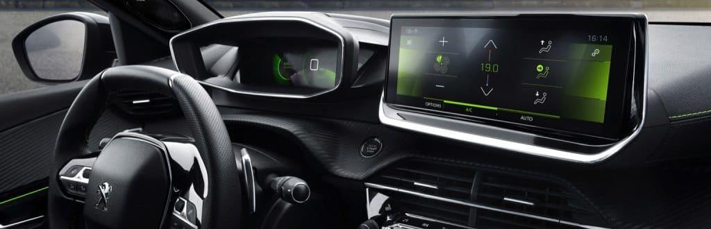 Peugeot e-2008 SUV interieur