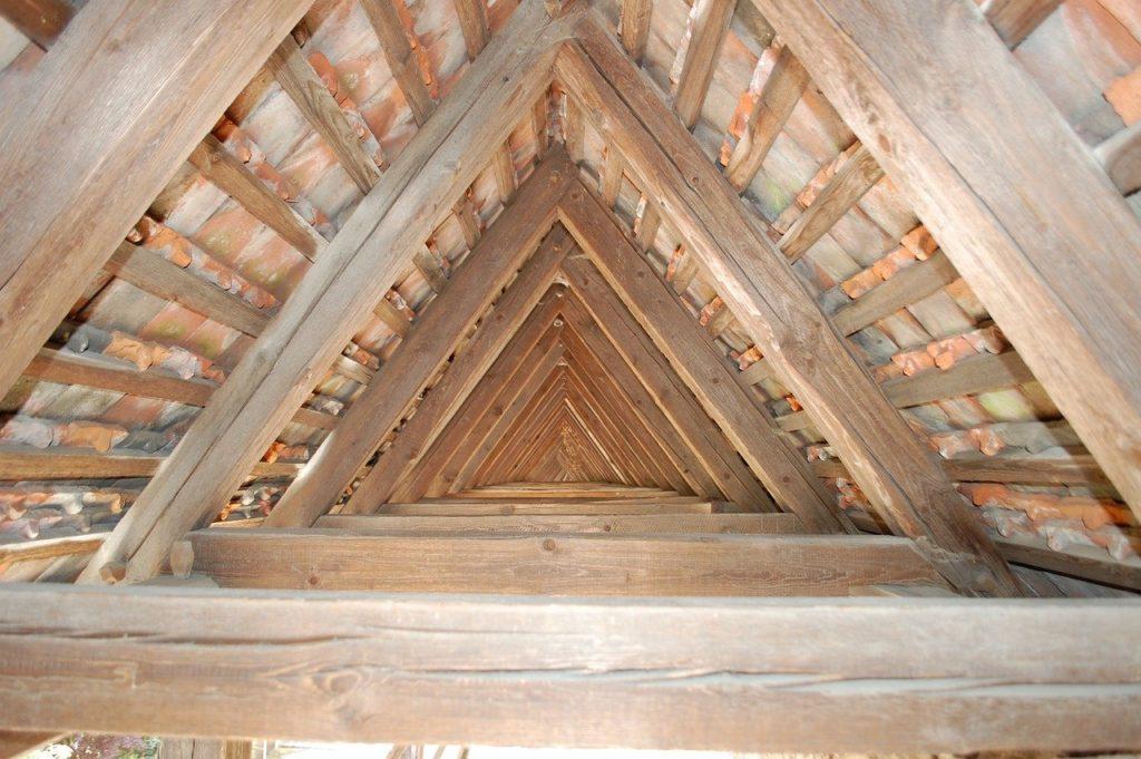 dak van binnenuit isoleren