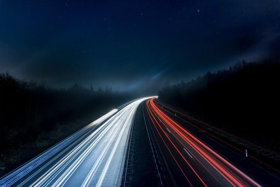 snelweg elektrische auto vakantie