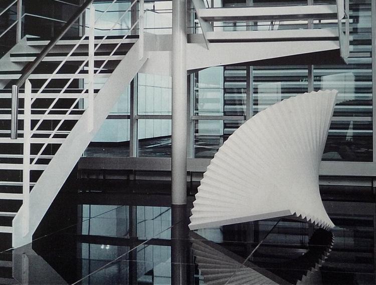 Skulptur Aluminium weiss gespritzt 120X120cm 1991 (private Sammlung), Fehraltdorf CH