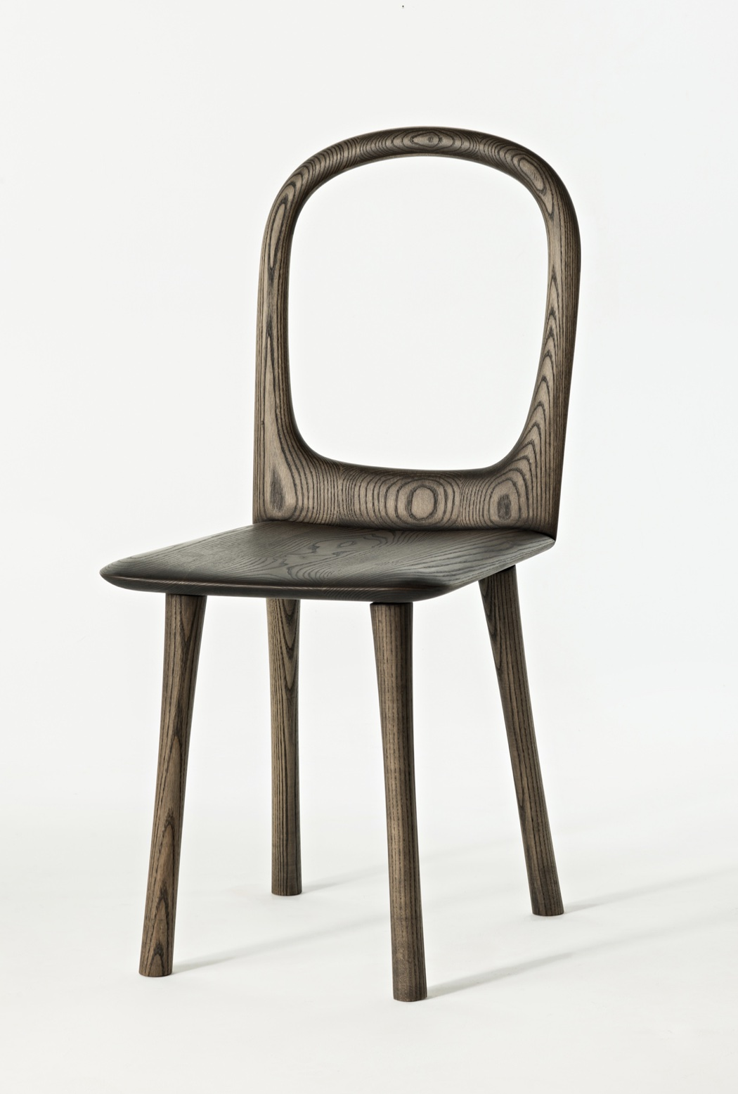 front view of the Bow Back Chair by artist Christopher Kurtz