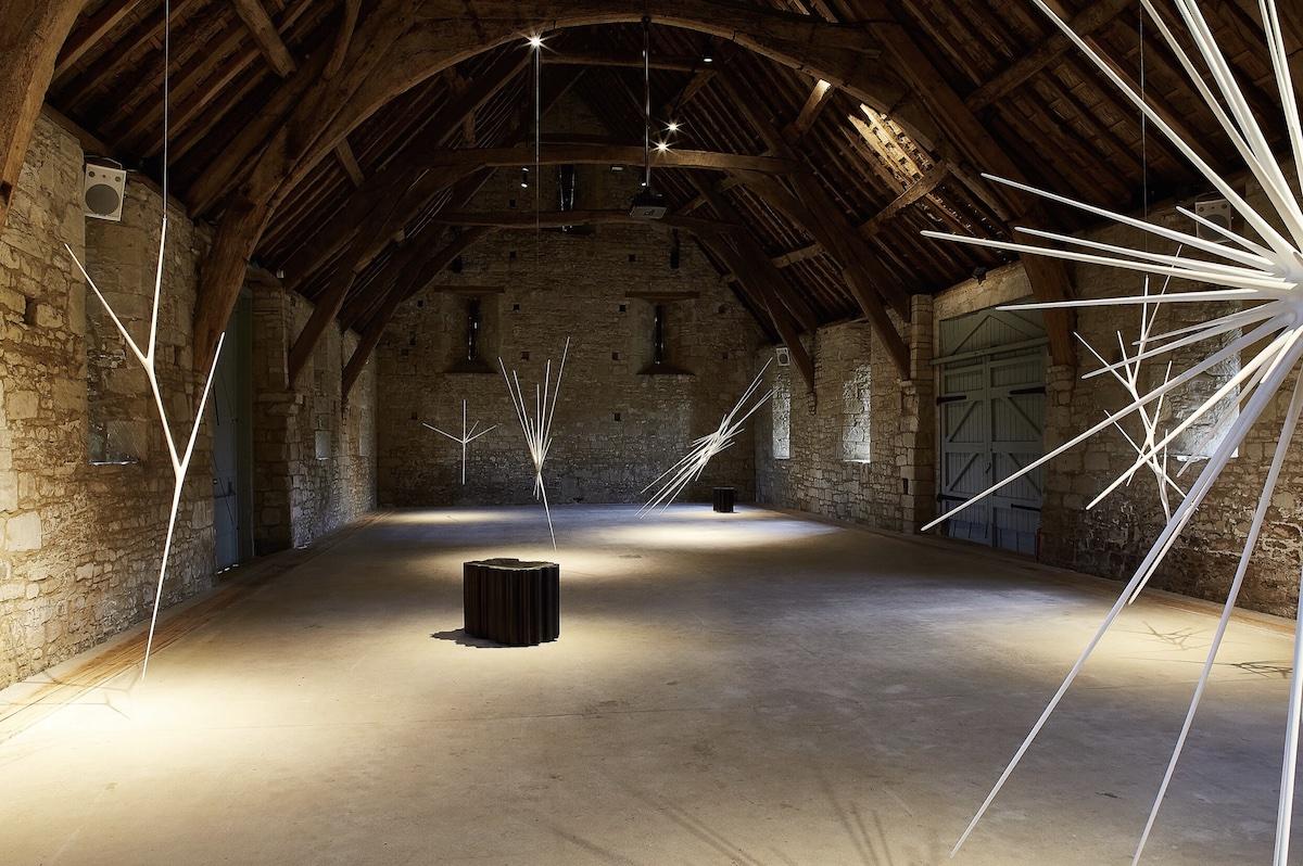 Artist Christopher Kurtz exhibits sculpture in the UK