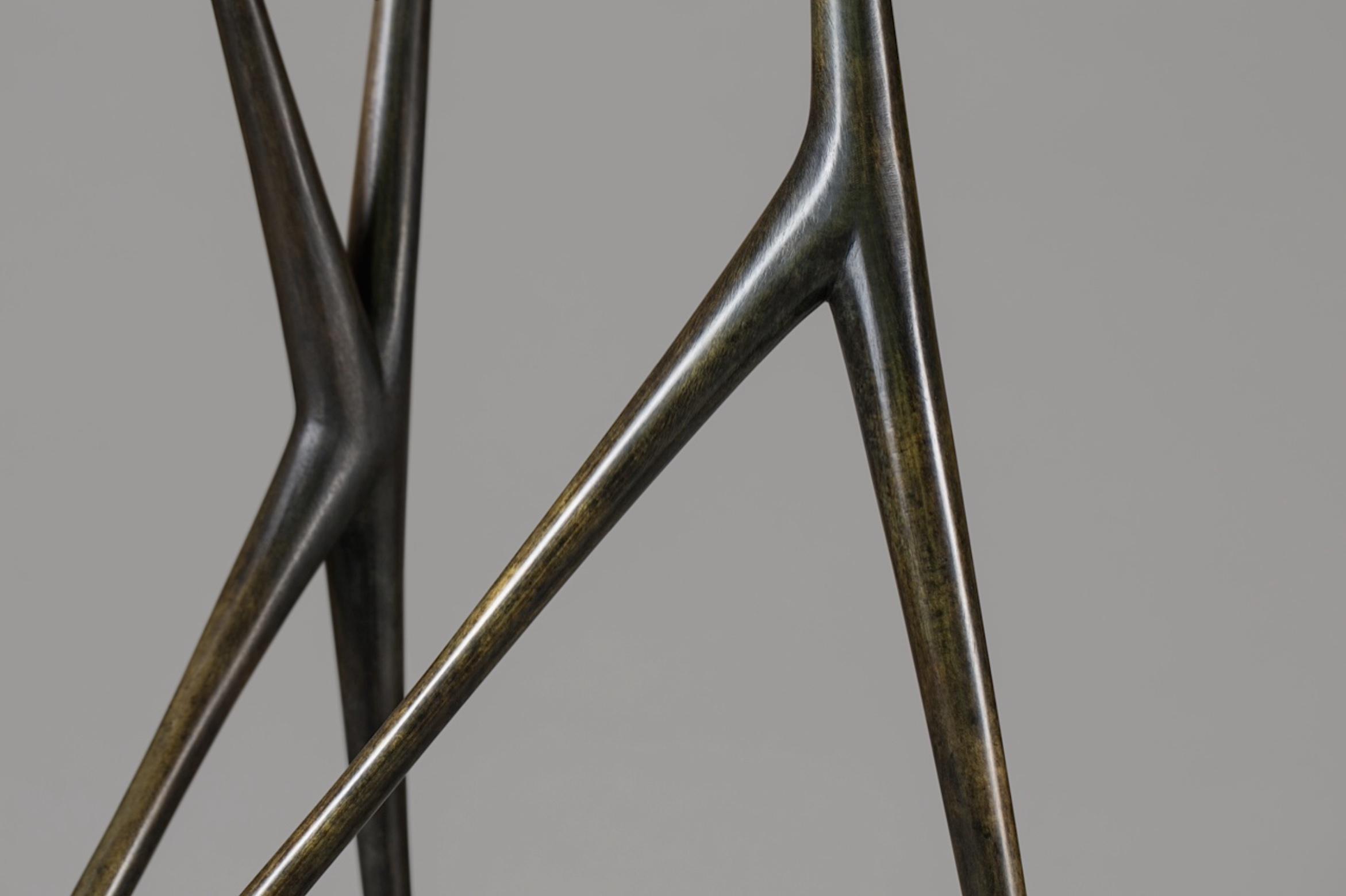 Allonge, a bronze sculpture by artist Christopher Kurtz