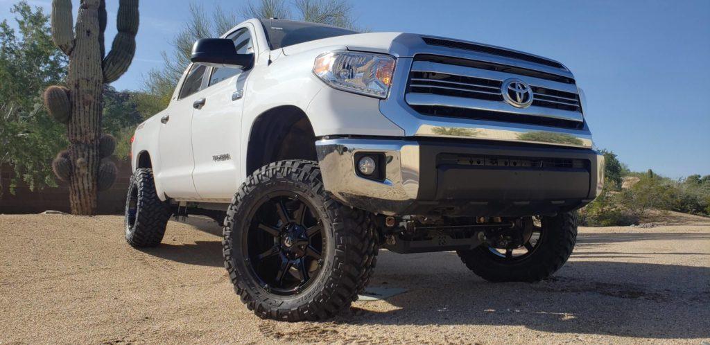 """2017 Toyota Tundra 6"""" Trailmaster Lift - 20x10 Fuel Maverick - 35x12.50R20 Nitto Trail M/T"""