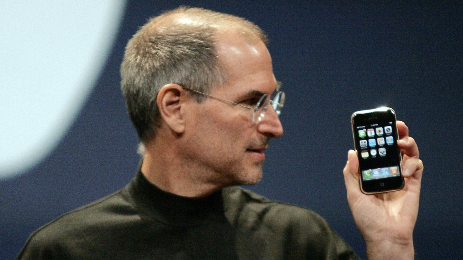 Steve Jobs iphone introduction has helped the UX industry