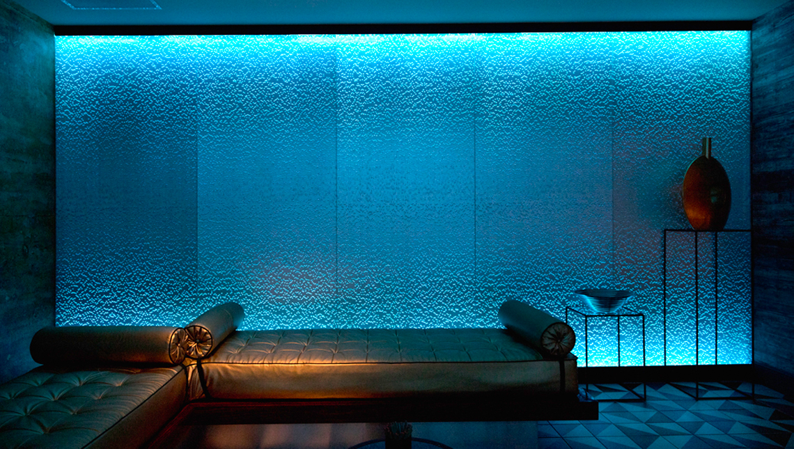 Chromatherapy in a Spa