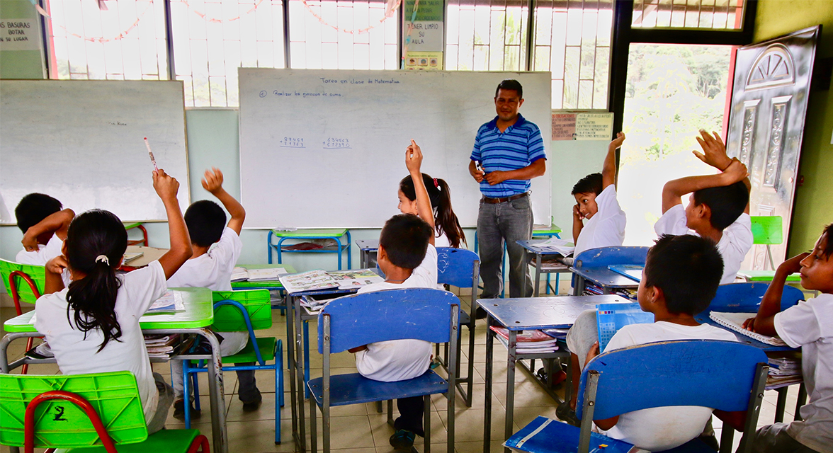 Classroom with students and teacher in Ecuador