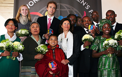 Craig Kielburger receives the World Children's Prize among other recipients