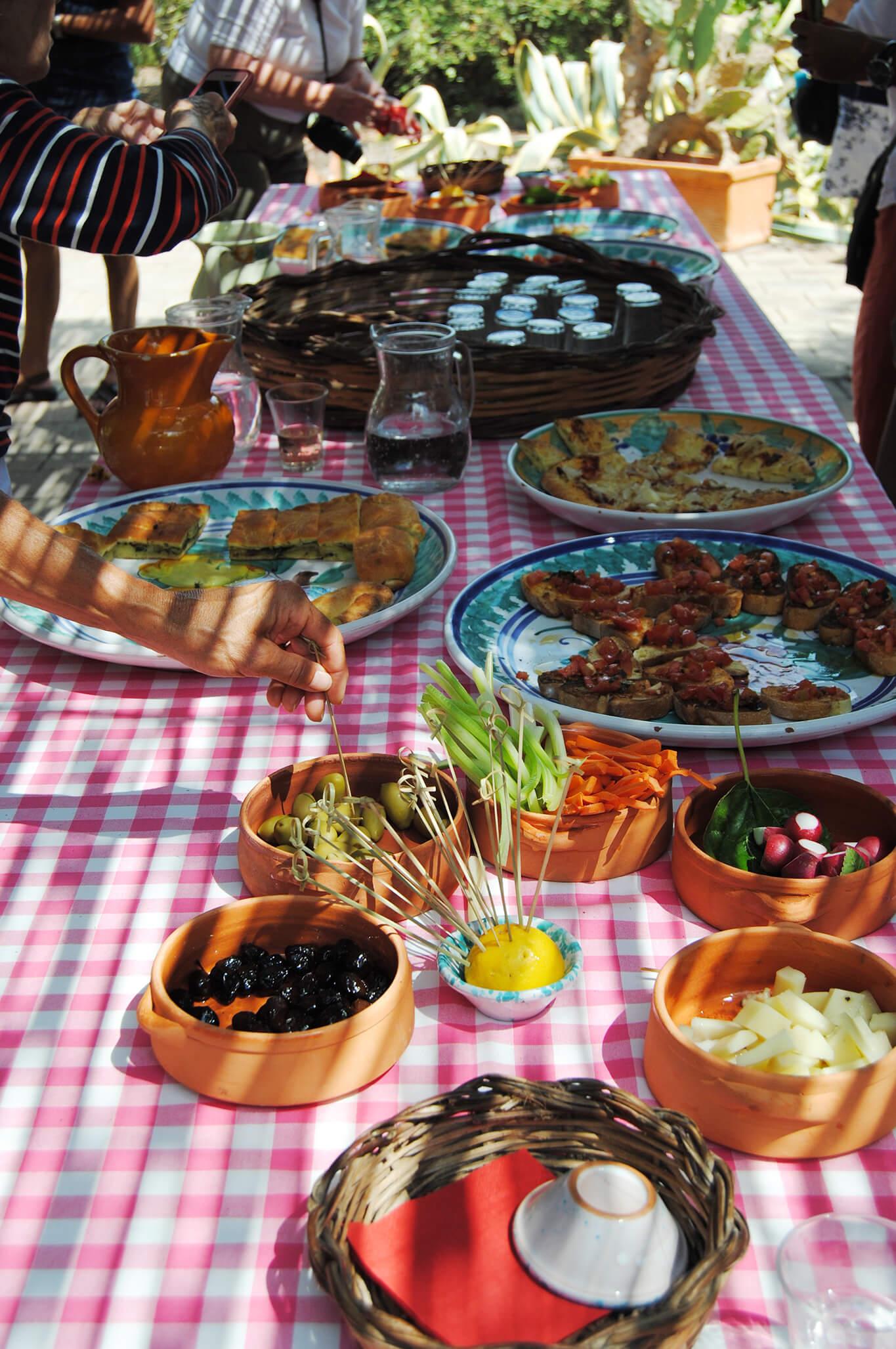 contessa-villa-lunch-food