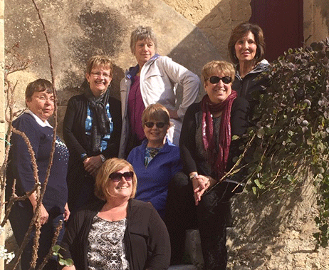 group of travlers in italy