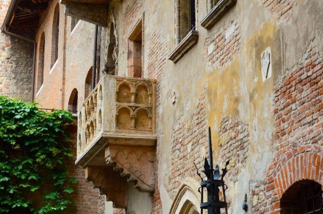 looking up at juliets stone balcony in verona italy