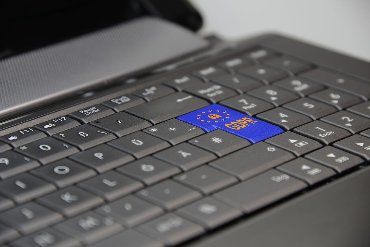 Keybord with gdpr button