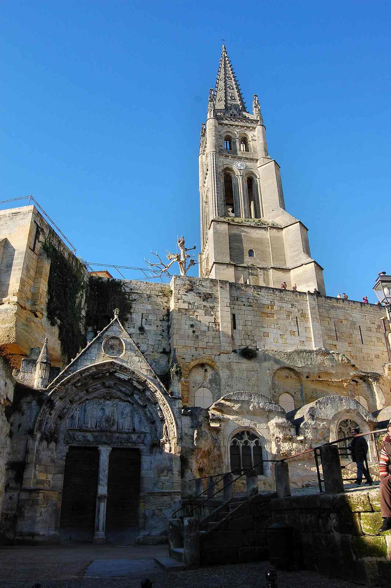 Église mololithe de Saint Emilion
