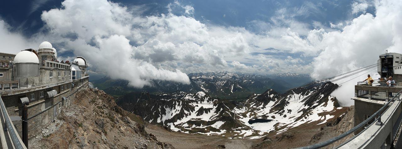 Les pics du Midi dans les Pyrénées
