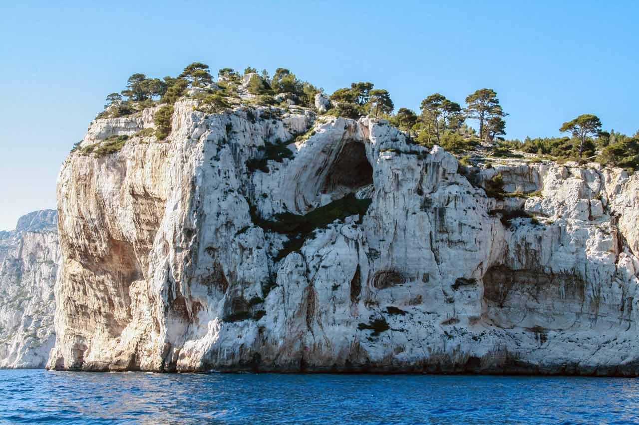 La falaise de l'abricotier, au cœur des Calanques