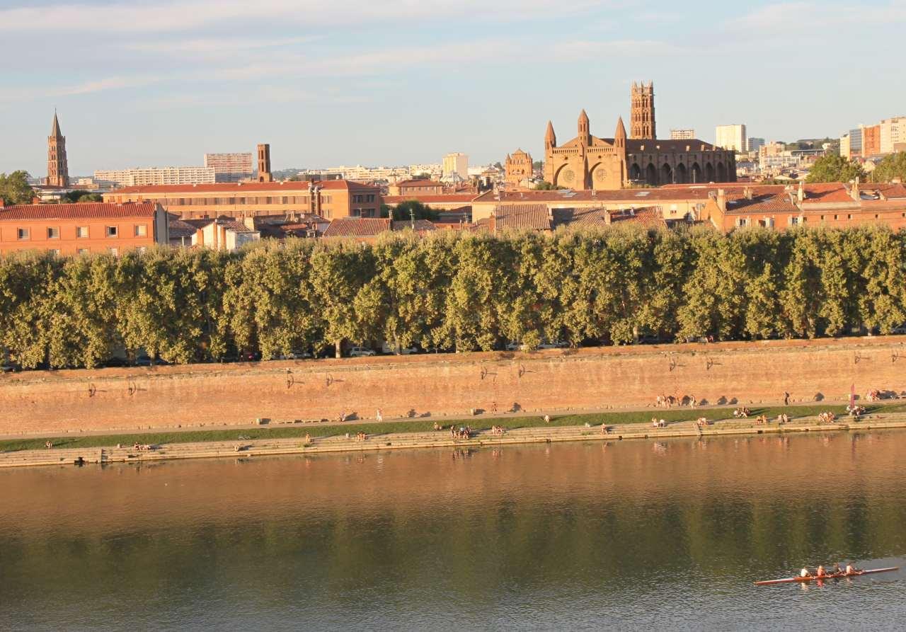 Les quais de la Garonne à Toulouse