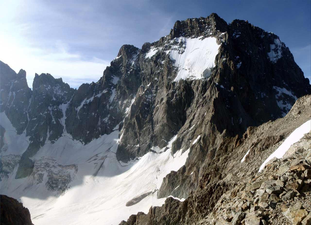 Ailefroide, varappe au milieu du massif des Écrins