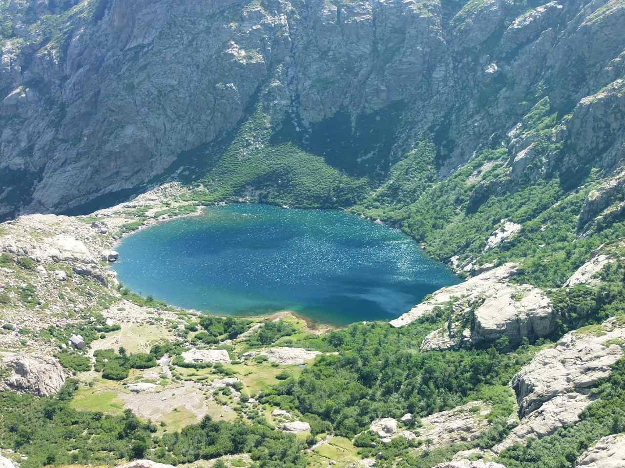 Restonica prend sa source dans le Lac du Melo