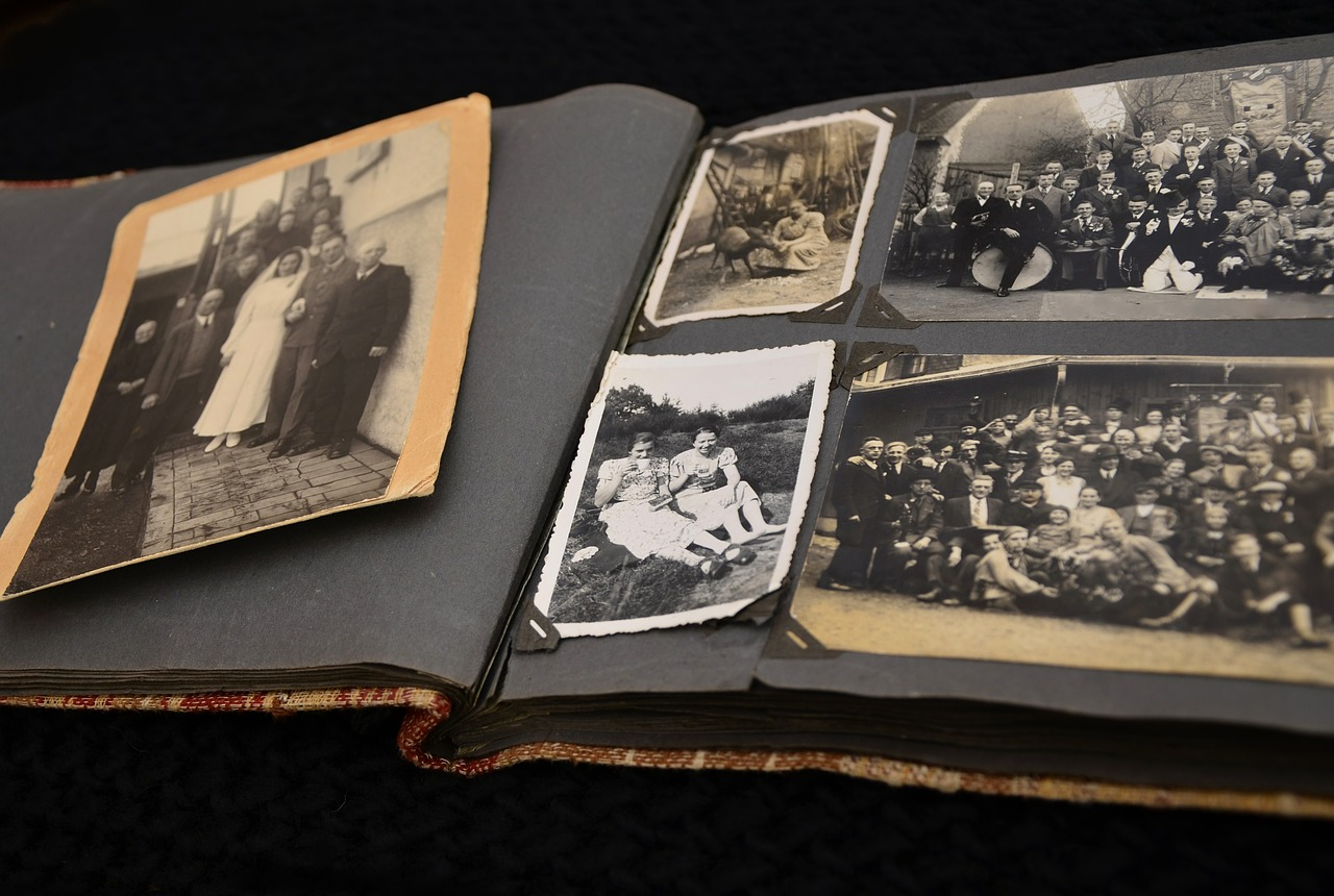 Best Apps to Scan Old Photographs to Digital