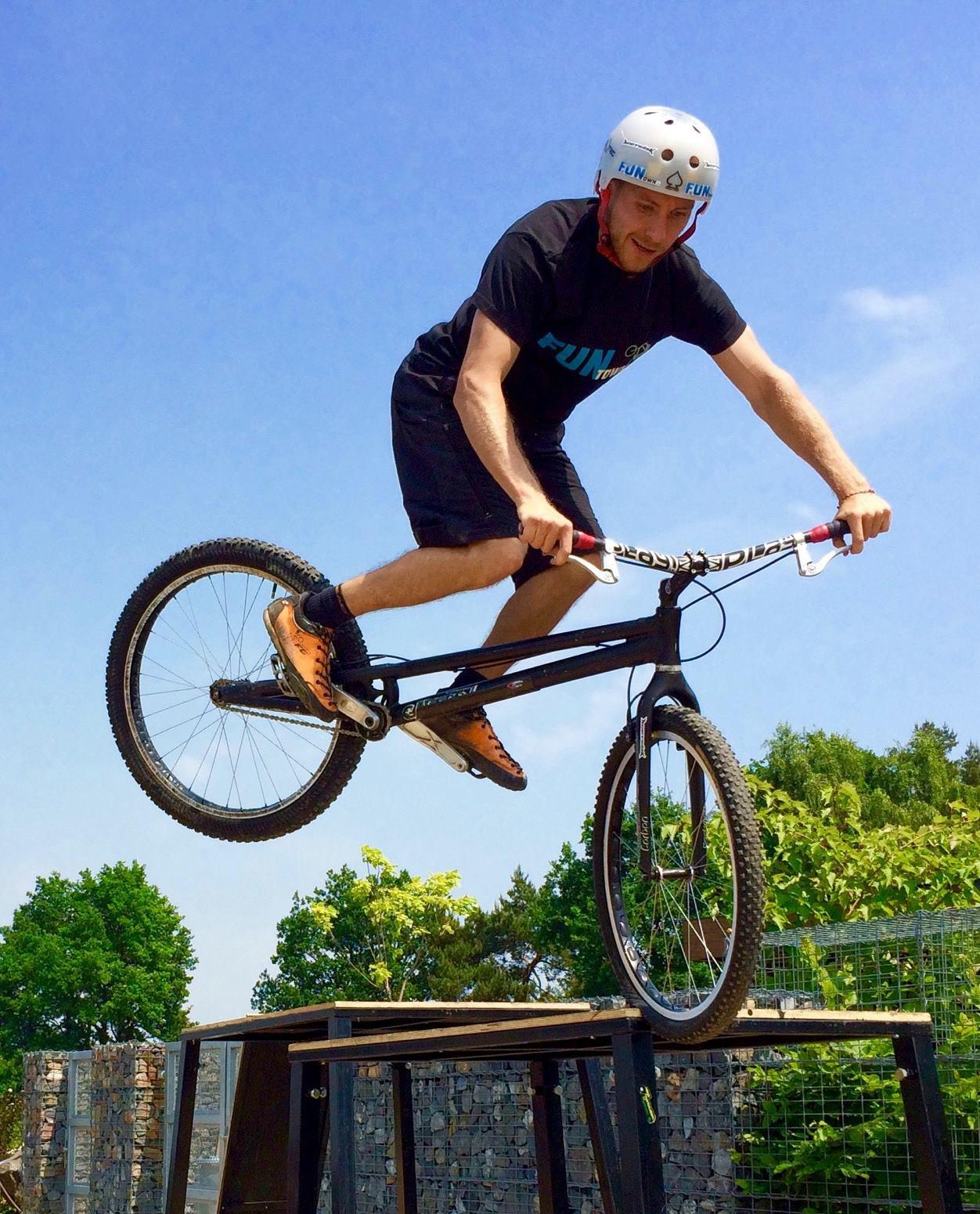 Marek Tryner Mitas Bike Rider