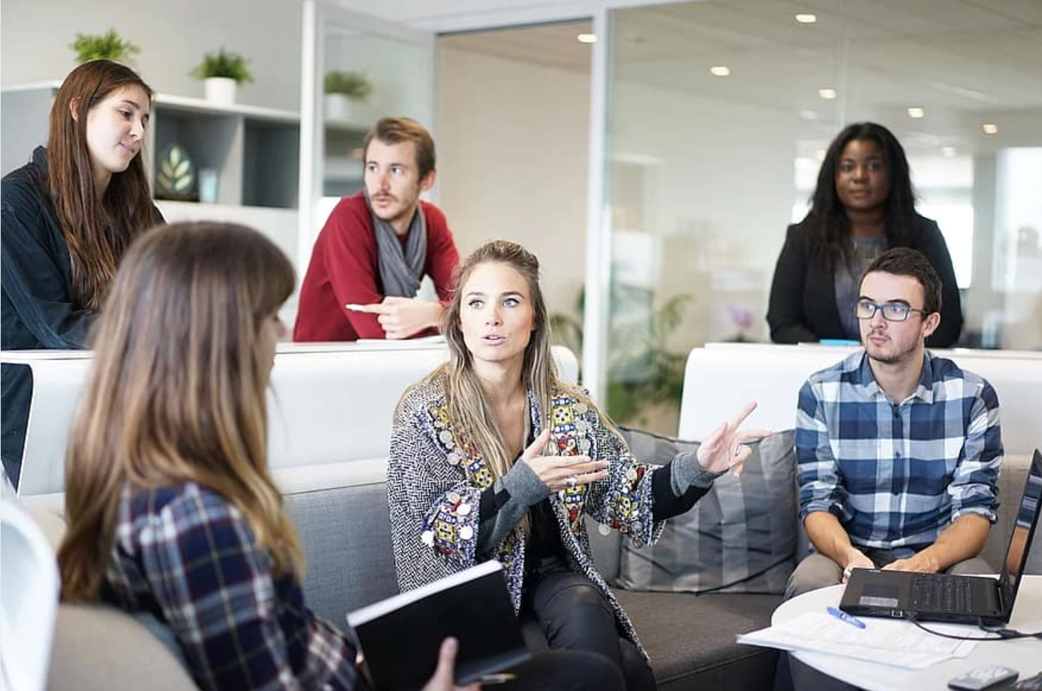 How to improve team communication and share information effectively
