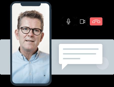 Leder som mottar karriererådgivning online via iphone