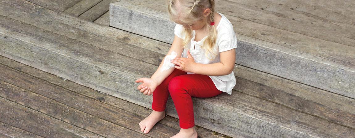 Kind mit juckender Haut