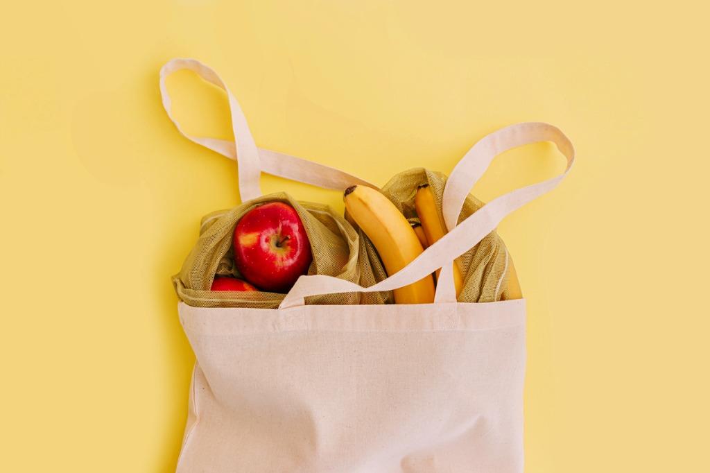 Plastik vermeiden: Alternative Einkaufsmöglichkeiten sind eine gute Möglichkeit, Frisches unverpackt zu erwerben
