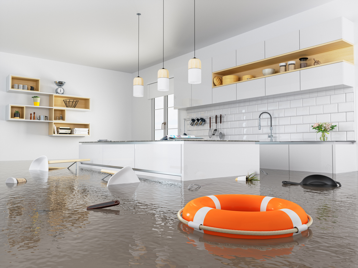 Leitungswasser, aber auch Brand, Blitz und Sturm können Ihrem Eigenheim Schaden zufügen. Gut, wenn Sie mit einer Wohngebäudeversicherung vor den finanziellen Folgen geschützt sind.
