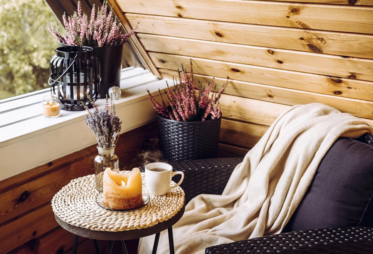 Zum Urlaub auf Balkonien gehören schöne Lounge-Möbel.