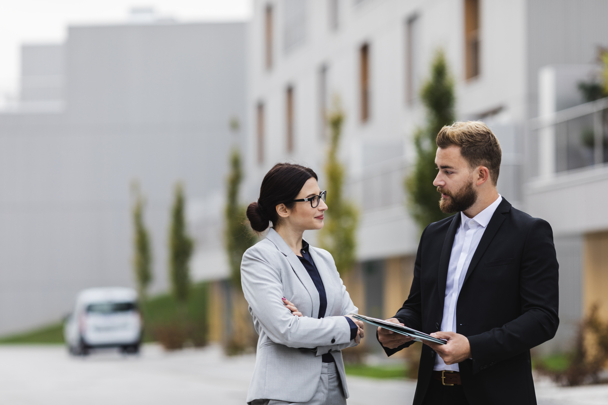 Immobilienwert ermitteln: Makler