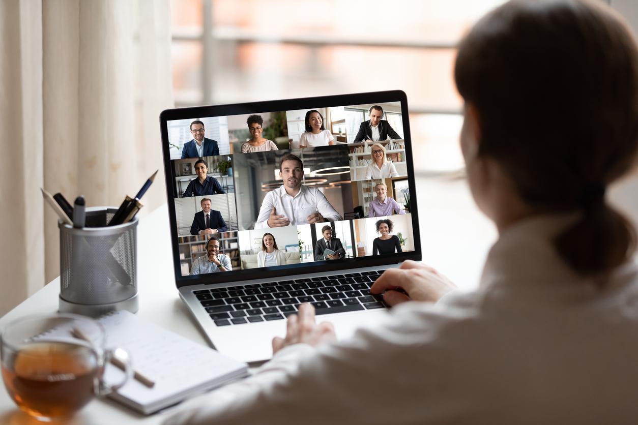 Das novellierte WEG-Gesetz erlaubt auch die virtuelle Anwesenheit auf einer Eigentümerversammlung.