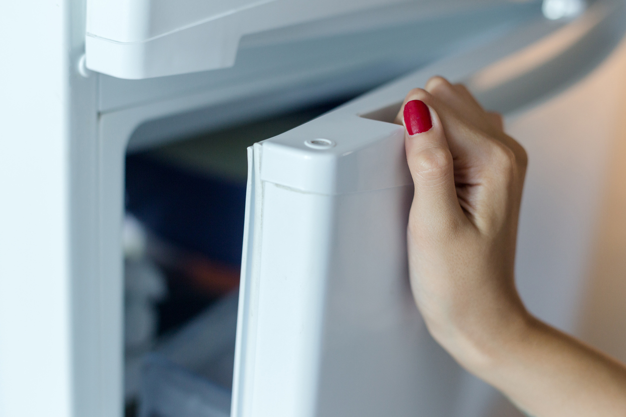 Mit diesen praktischen Energiespartipps wird der Kühlschrank auch im Sommer nicht zum Energiefresser