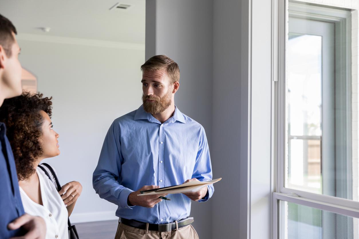 Zeitwert berechnen: Immobilienmakler