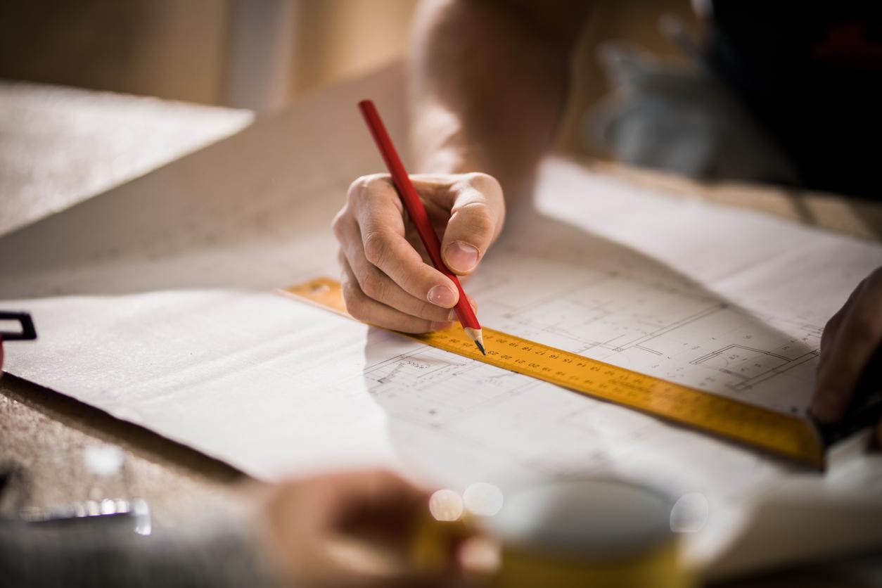 Der Lageplan kann bei den im jeweiligen Bundesland zugelassenen öffentlich bestellten Vermessungsingenieuren oder bei einem Fachmann für Vermessungen in Auftrag gegeben werden.