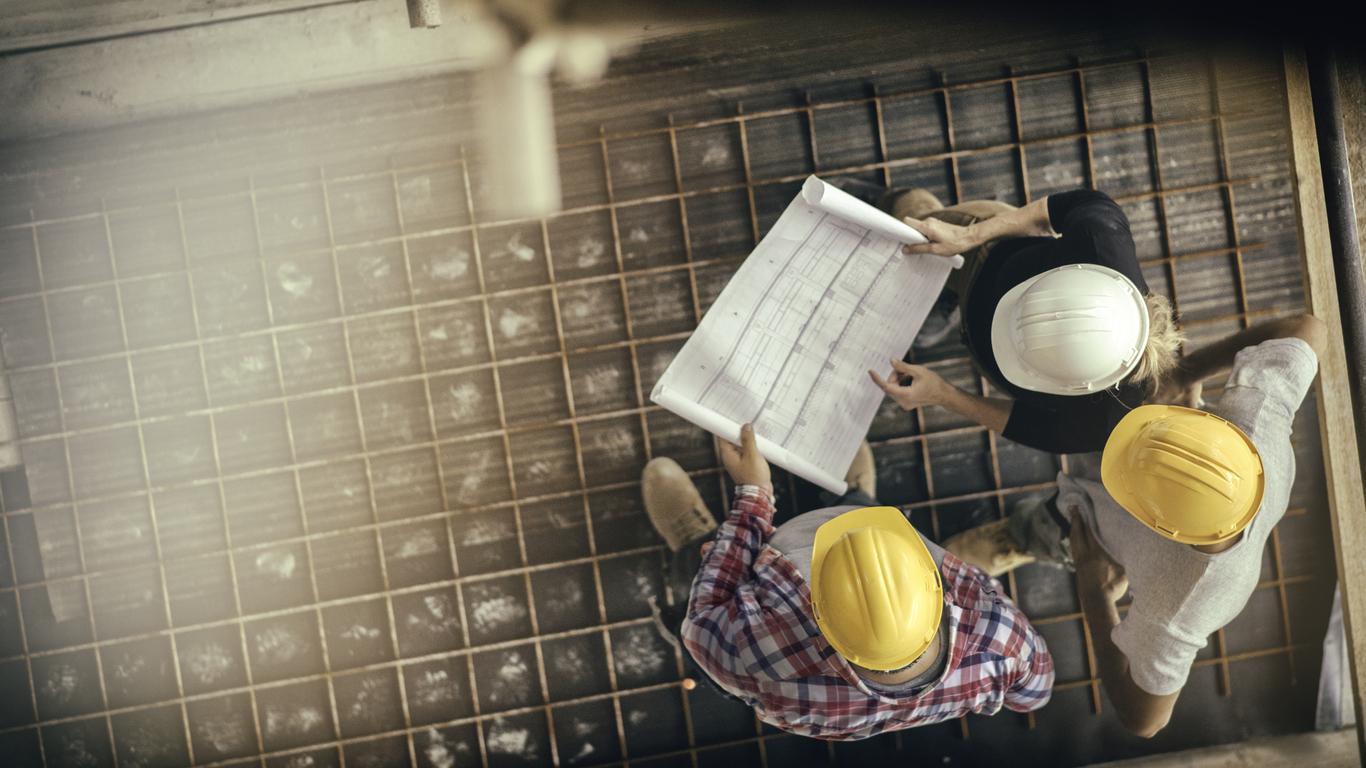 Die Beauftragung eines Bauleiters kann sich als sinnvolle Investition erweisen.
