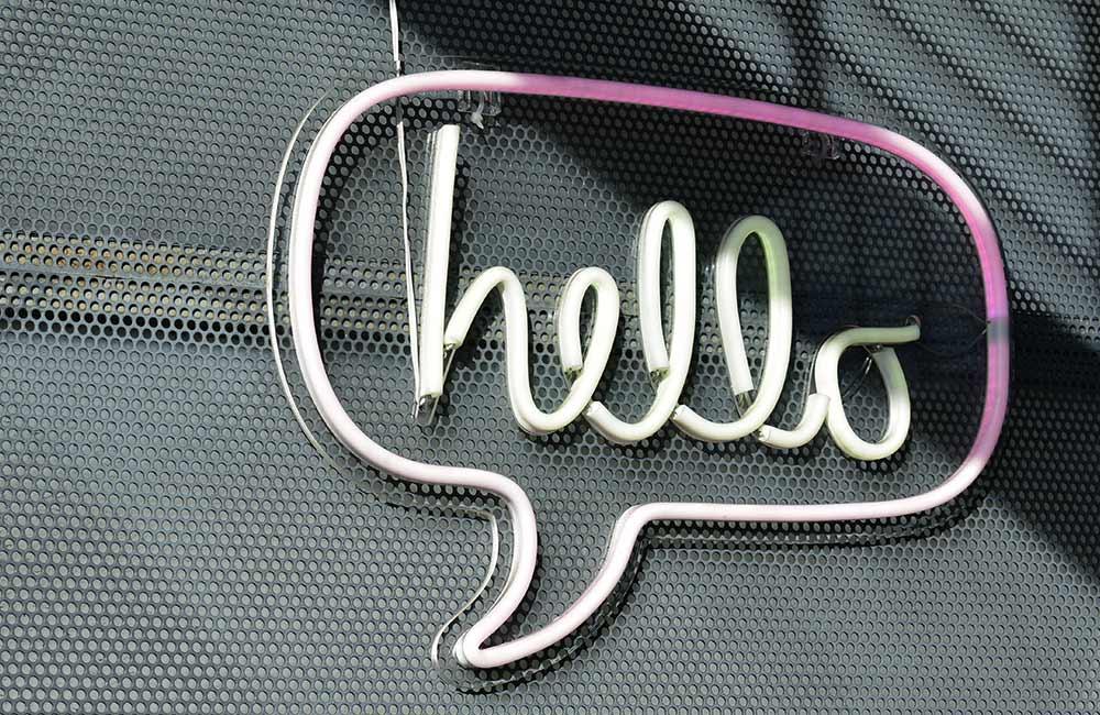 websms - Sprechblase mit Hello - so finden Sie den besten Kanal für Ihre Kundenkommunikation