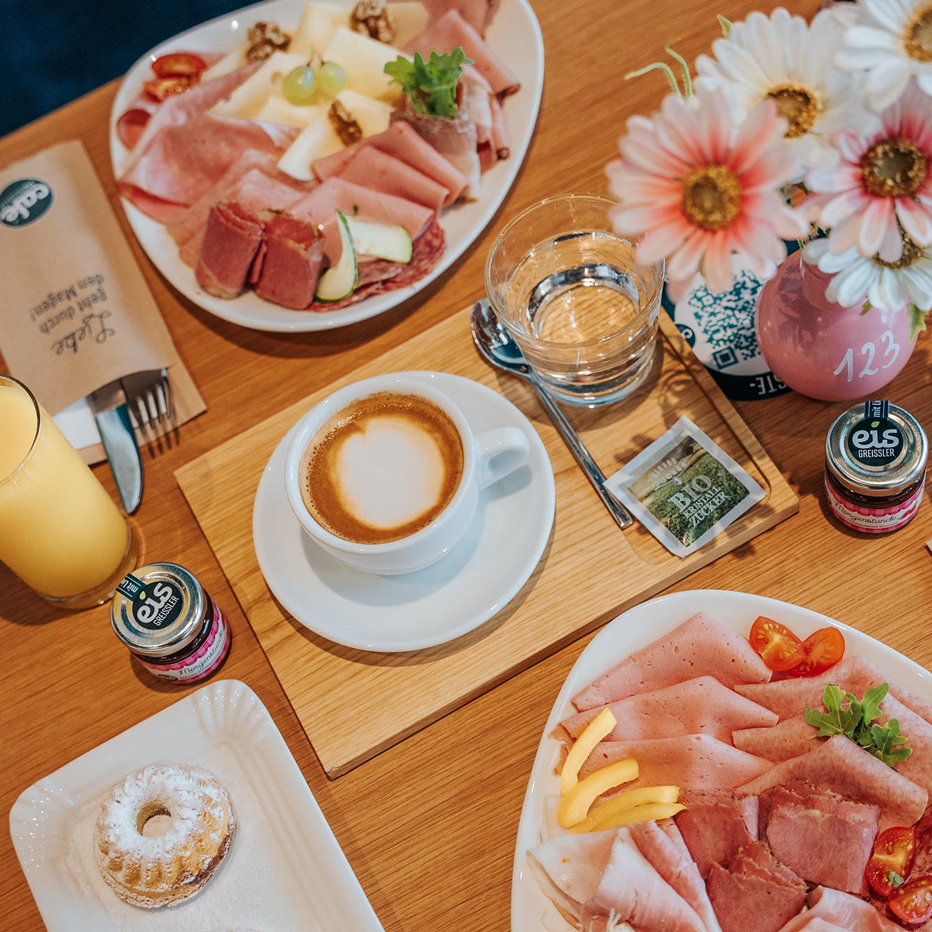 Frühstück - täglich von 8:00 - 11:00 Uhr