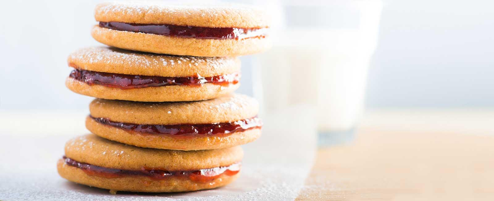 Easy Peanut Butter and Jelly Sandwich Cookies