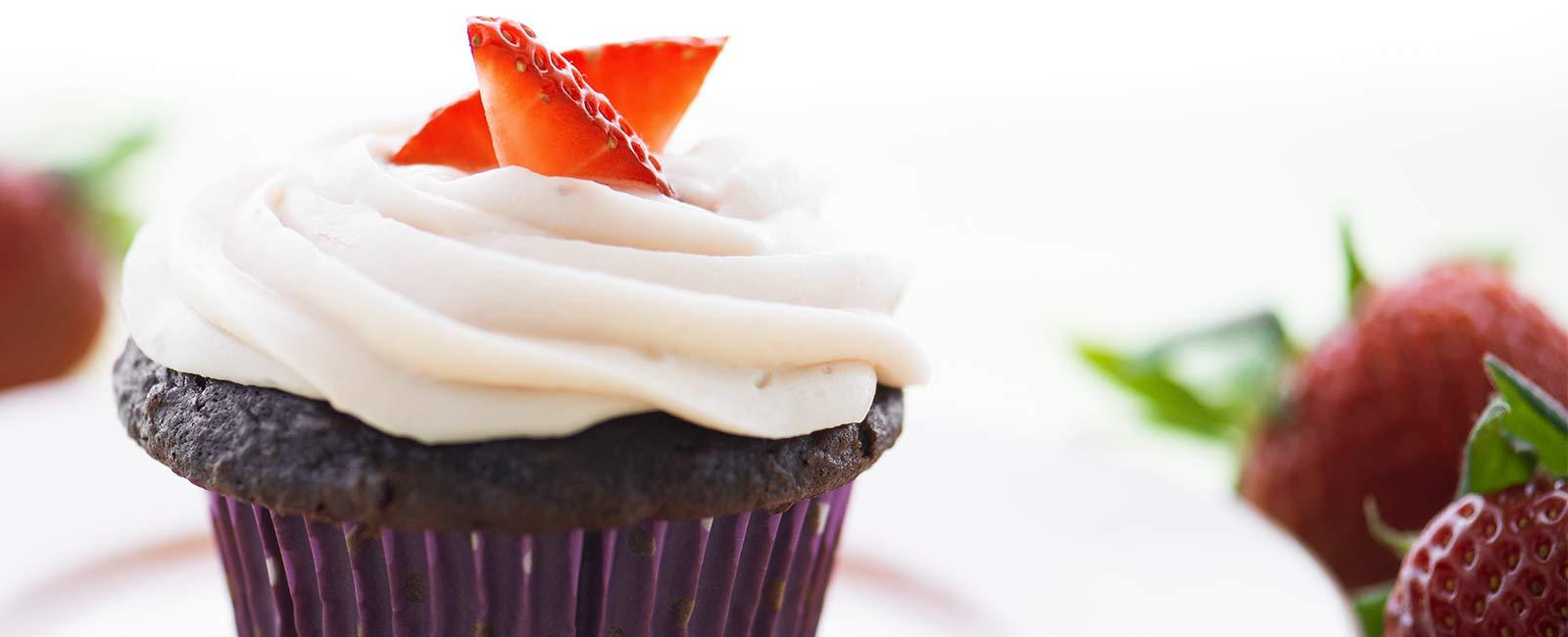 Cupcakes with Strawberry Cream Cheese Frosting