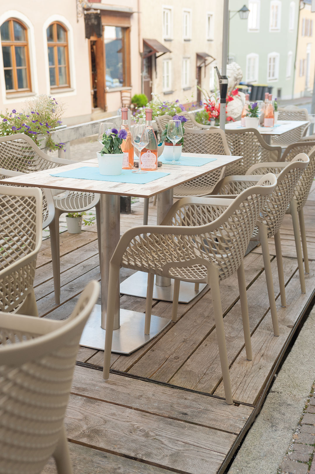 Outdoor tables for your restaurant or hotel
