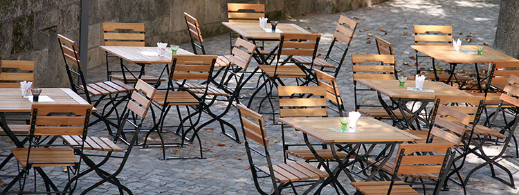 Outdoor Folding tables for your restaurant or hotel